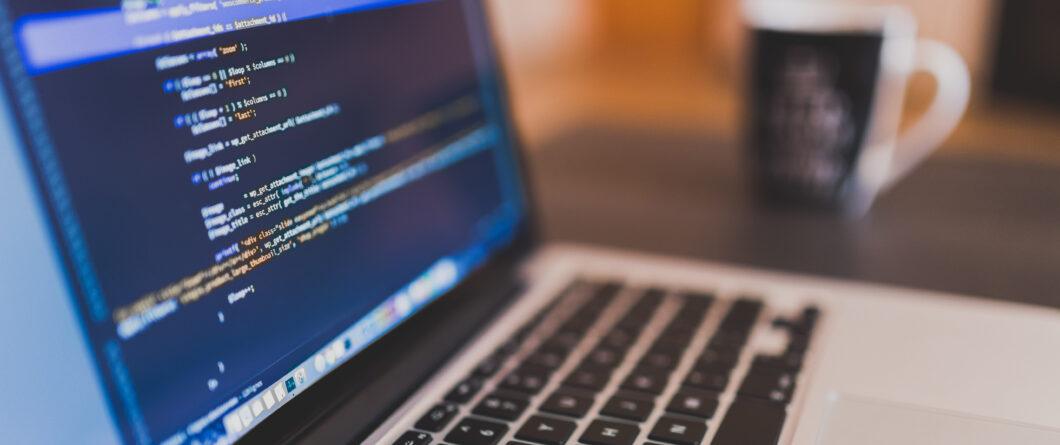 Code Coding Computer Halb
